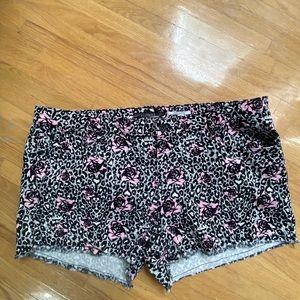 Hot Topic Shorts